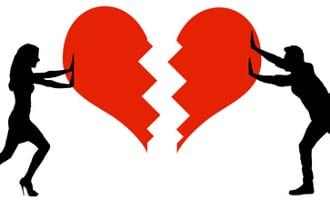 Ist die mehrfach gescheiterte Auffindbarkeit eines Ehegatten konkret belegt kann ein Gericht die Scheidung auch in Abwesenheit dessen beschließen