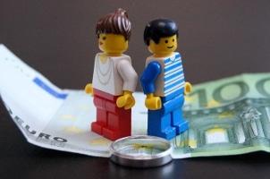 Mit Beginn des Trennungsjahres, steht dem weniger verdienenden Ehepartner Trennungsunterhalt zu. Dieser kann allerdings nicht rückwirkend gefordert werden