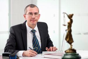 Bei einer Scheidung ist ein Anwalt Pflicht.