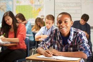 Unterhalt ist z.B. während der Schulzeit für nicht-erwerbspflichtige Kinder zu zahlen.