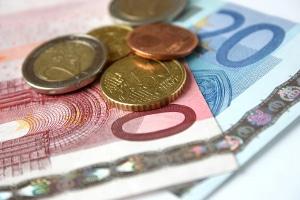 Um den Unterhalt berechnen zu können können Korrekturen des realen Gesamteinkommens nötig sein.