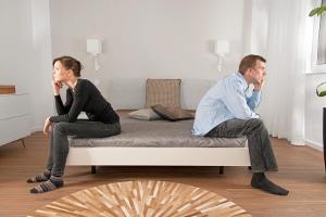 Wem gehören die gemeinsamen Möbel? Auch bei der Hausratsteilung hilft Ihr Scheidungsanwalt in Solingen.