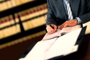 Für die Übertragung vom Schadenfreiheitsrabatt müssen auch versicherungsrechtliche Voraussetzungen erfüllt sein.