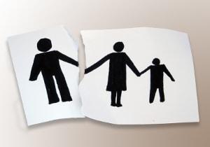 Nach der Scheidung kann ein Elternteil das Besuchsrecht im schlimmsten Fall verlieren.