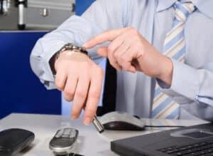 Das Rechtsanwaltsgebührengesetz (RVG) bestimmt gewissermaßen den Lohn für die Arbeitszeit des Anwalts.
