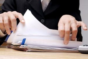Streitwert: Ein Anwalt kann die Scheidungskosten vorab kalkulieren, damit Sie einen besseren Überblick haben.