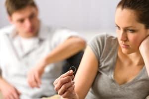 Einer der häufigsten Scheidungsgründe ist Ehebruch.