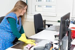Krankenversicherung bei Scheidung: Eine erwerbslose Hausfrau muss einen eigenen Versicherungsschutz gewährleisten.