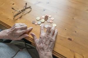Leben am Existenzminimum: Die Rente für DDR-Geschiedene reicht häufig kaum zur Grundsicherung.
