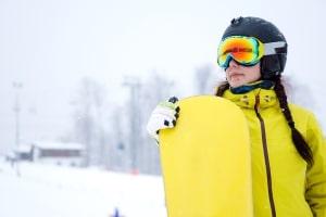 Der mit dem Umgangsrecht ausgestattete Elternteil muss besondere Winterkleidung der Kinder jedoch selbst zahlen.