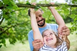 Alleinerziehende Väter haben ebensolche Rechte wie alleinerziehende Mütter.