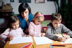 Der Kindergarten kostet Geld - evtl. besteht die Möglichkeit, dass das Jugendamt hilft.