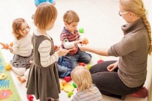 Kinder brauchen Förderung. Eine Vernachlässigung von Kindern ist für deren Entwicklung fatal.