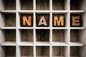 Den Geburtsnamen wieder annehmen: Für ein Kind gelten andere Regelungen.
