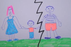 Laut einem Urteil des Bundesverfassungsgerichts haben Eltern keinen gesetzlichen Anspruch auf Durchführung vom Wechselmodell.
