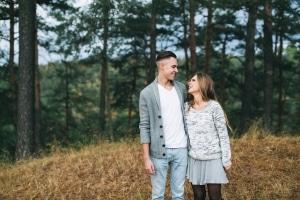 Bis zur Rechtskraft des Beschlusses ist die Rücknahme vom Scheidungsantrag möglich. Kosten entstehen anteilig.