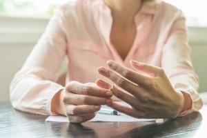 Die Scheidung kommt ohne Schuldprinzip aus - das war nicht immer so.