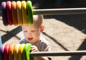 Erhöhtes Kindergeld: Durch die Anhebung verändern sich auch die Zahlbeträge beim Kindesunterhalt.