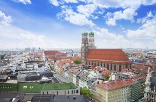 Ansprechpartner in Bayern: Ihre Scheidung kann sowohl ein Fach- als auch ein Rechtsanwalt gut begleiten.